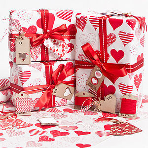 preview_Love_hearts_red_on_white_wrap